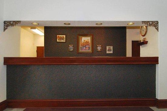 Kentland, IN: Lobby
