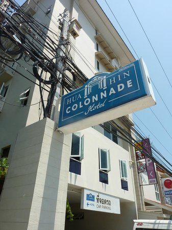 MANATHAI Hua Hin: The Colonnade Hotel