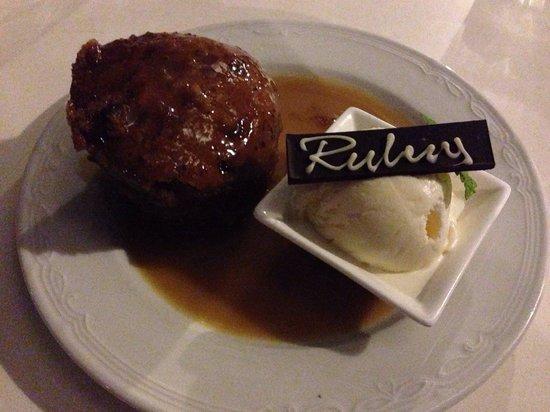 Rubens: Sticky date pudding