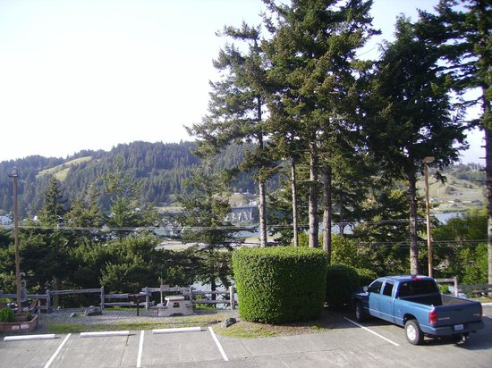 Motel 6 Gold Beach : View from room