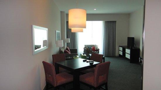 Wyndham Panama Albrook Mall: Sala de estar
