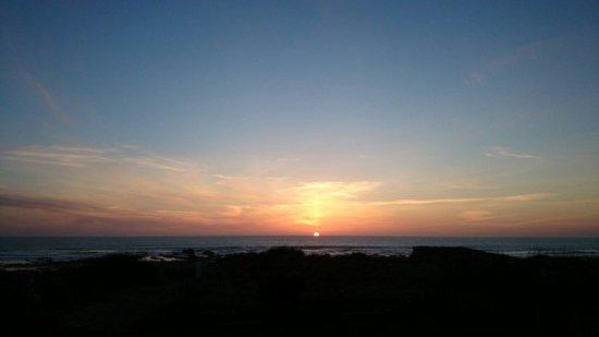Beach House B&B: Sunset