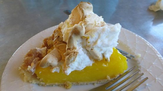 Lost Maples Cafe: REAL Lemon Meringue Pie