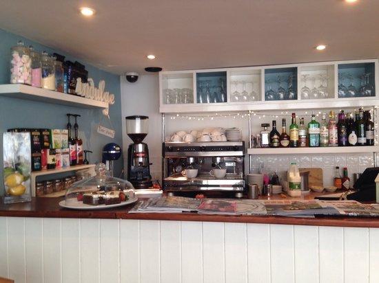 Mackerel Sky : The bar