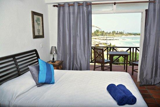 Ocean Spray Beach Apartments Photo