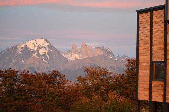Awasi Patagonia - Relais & Chateaux: Puesta de sol en la puerta de la cabaña
