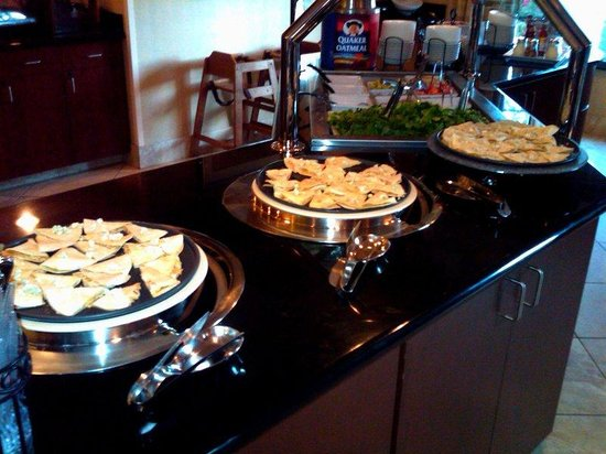 Staybridge Suites Eastchase Montgomery: Our buffalo chicken quesadillas are a crowd pleaser!