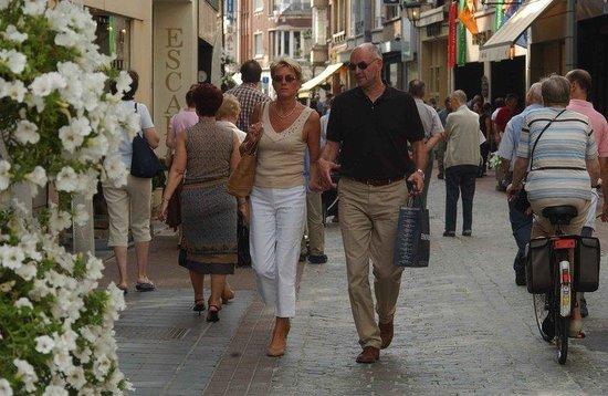 Holiday Inn Hasselt: Shopping