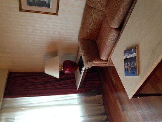 Radisson Montevideo Victoria Plaza Hotel: Sla de estar de la suite
