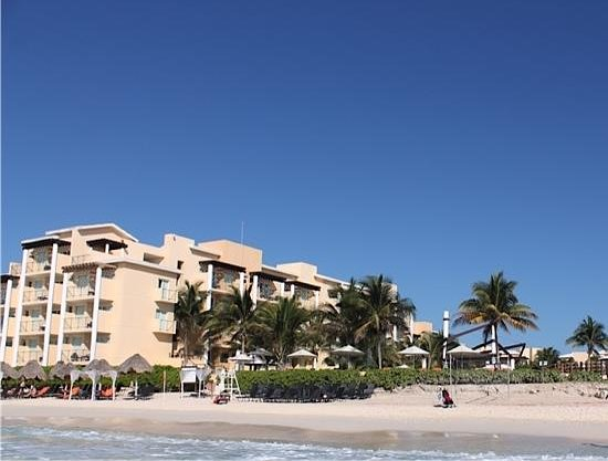 Now Jade Riviera Cancun: building 1 view from the beach