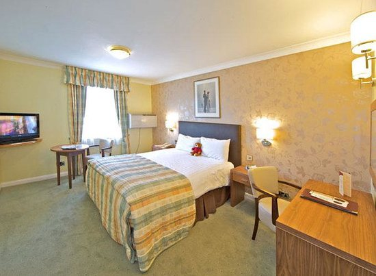Milford Hall Hotel: Guest Room