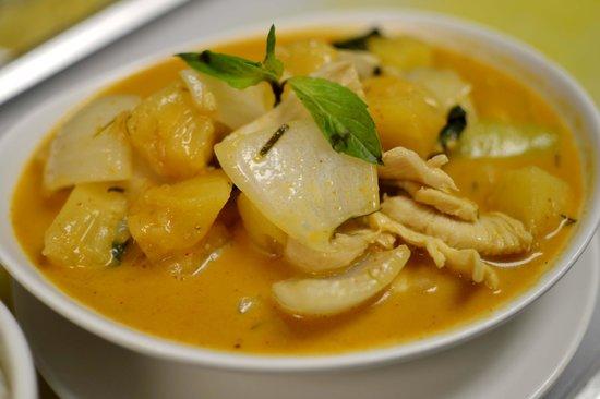 Mahli Thai: Pineapple Curry