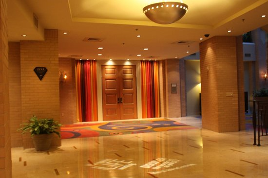 Renaissance New Orleans Arts Warehouse District Hotel : Lobby