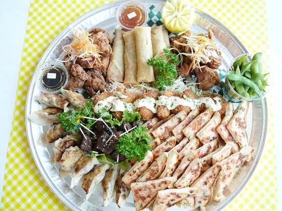 Asian appetizer party tray picture of soy asian fusion for Asian fusion cuisine restaurants