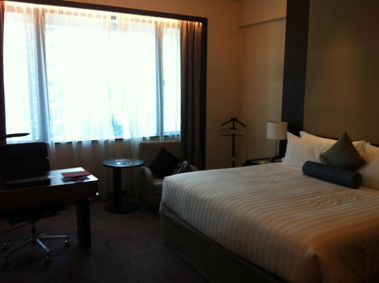Pan Pacific Orchard: large but dull bed room