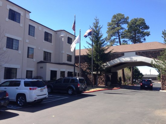 Embassy Suites by Hilton Flagstaff: Outside