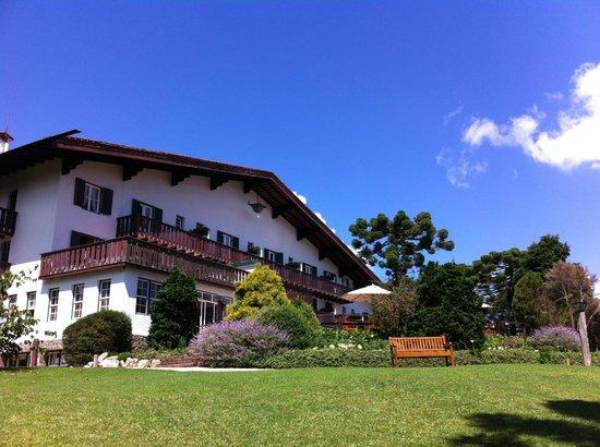 Hotel Toriba : Vista do prédio principal