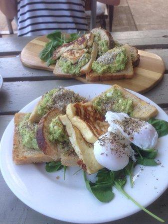 Esher Street Cafe & Deli