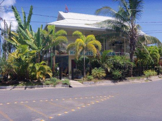 Hotelito Del Mar: hotel desde afuera
