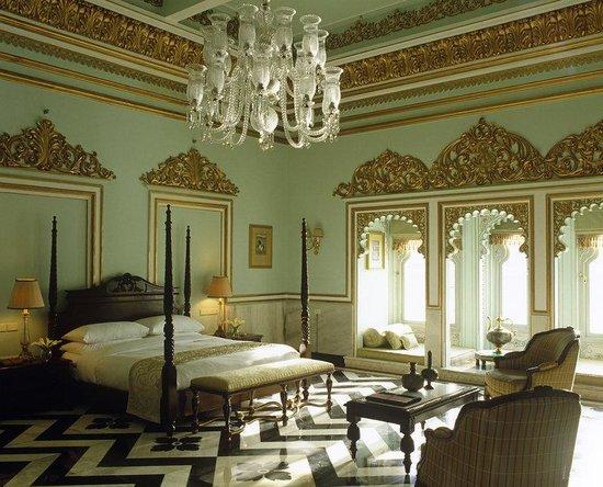 Taj Lake Palace Udaipur: Sarva Ritu Suite