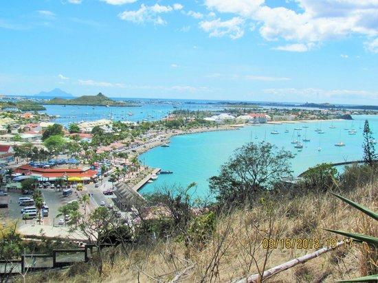 Residence Anse des Sables: vue de fort de Marigot
