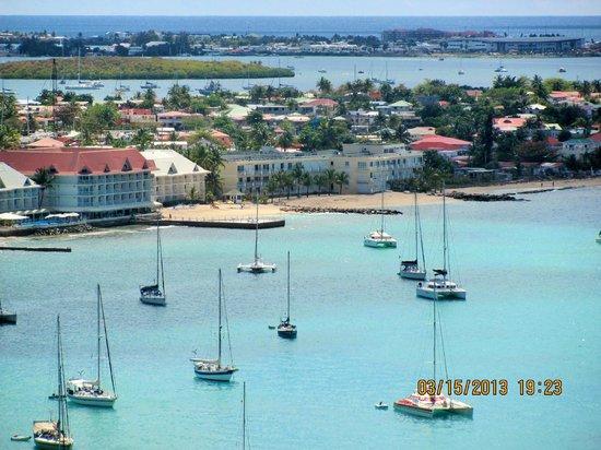 Residence Anse des Sables: la residence vue du fort de Marigot