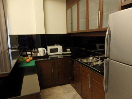 Phunawa Resort: ห้องครัวในห้องพัก