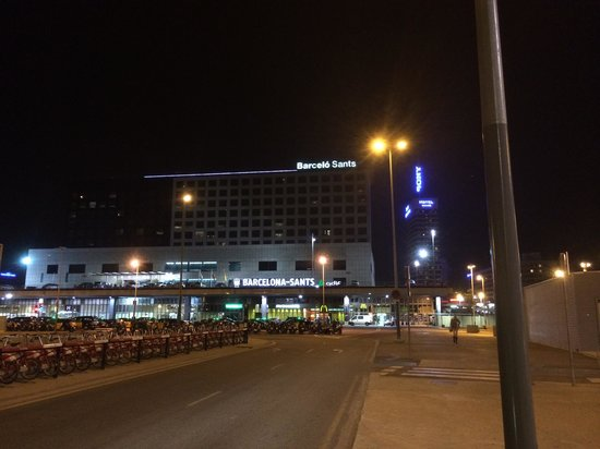 Barcelo Sants: Exterior at night