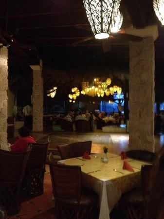 Playa Los Arcos Hotel Beach Resort & Spa: Rica comida, buena ubicación y la gente hospitalaria, todo el hotel lindo con playa y linda vist