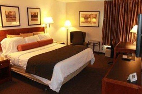 Redwood Lodge: King Room