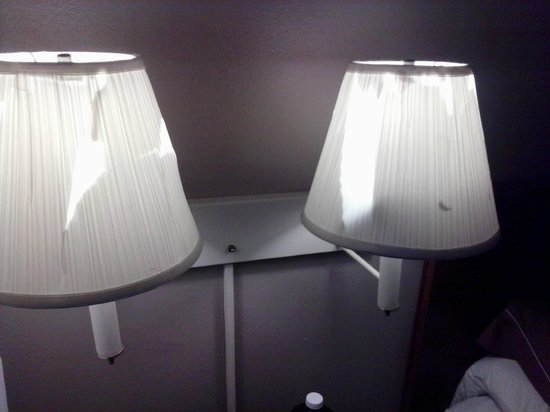 Gulfport Extended Stay Hotel: quality lamps