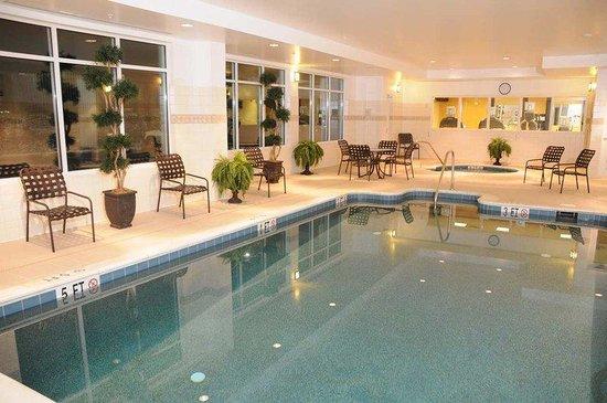 Hilton Garden Inn Winchester: Pool