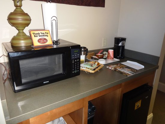 Inn at Kitchen Kettle Village: Everything you could possibly need.