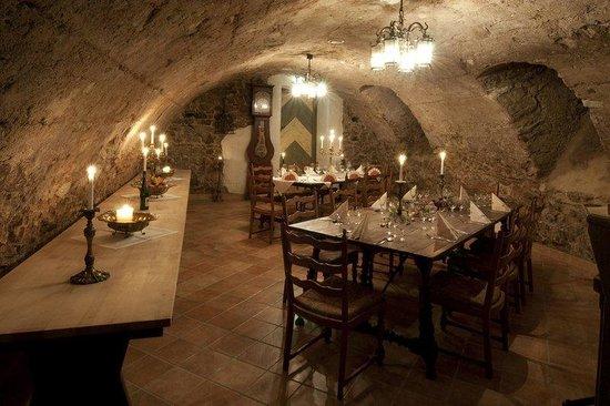 Hotel Am Markt Residenz: Wine Cellar