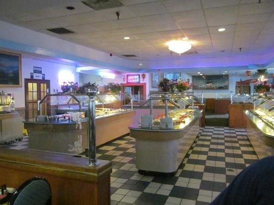 Kingdom Buffet: View of Buffet Tables