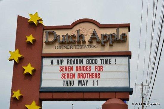 Dutch Apple Dinner Theatre : marquee