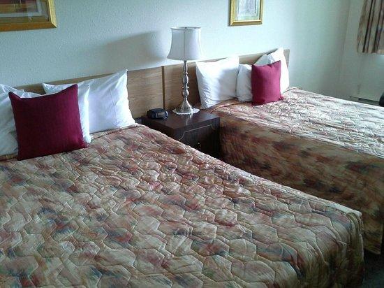 Gables Motel Two Queen Bedroom