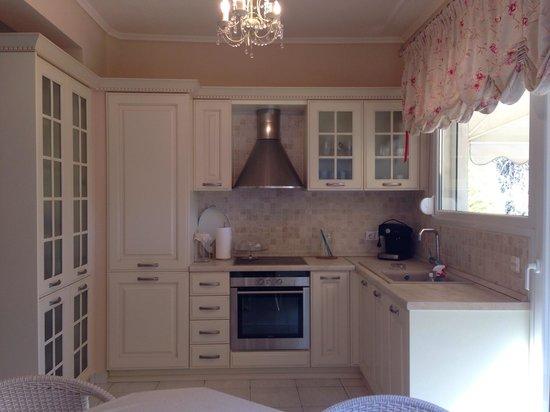 Aegean Residence: Kitchen