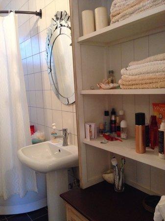 Aegean Residence: Bathroom