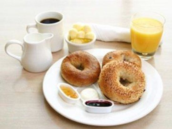 Villager Motel: Breakfast