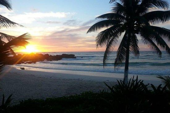 Maya Tulum Resort: Sunrise!