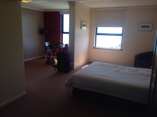 Ocean Beach Hotel: Large rooms :)