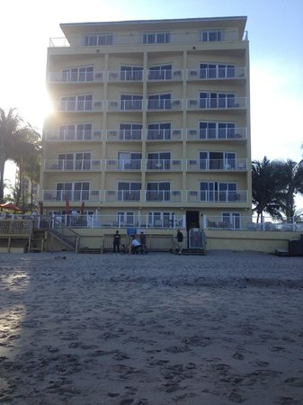 Sun Tower Hotel & Suites on the beach : View of Sun Towers from Beach