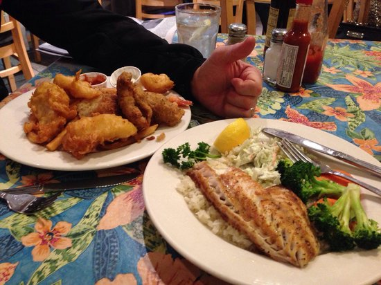 Sea Harvest Fish Market & Restaurant: Rockfish - Yum!
