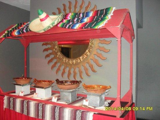 Grand Oasis Cancun: Temática para el almuerzo