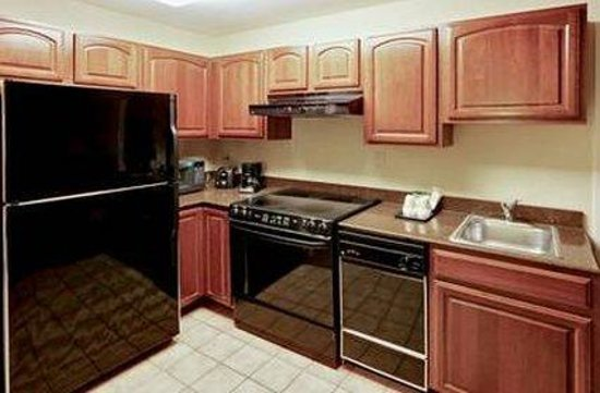 The Lotus Suites : Full Kitchen in Two Bedroom Suites