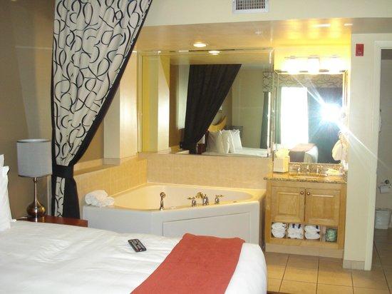 Westgate South Beach Oceanfront Resort: habitacion con hidro.