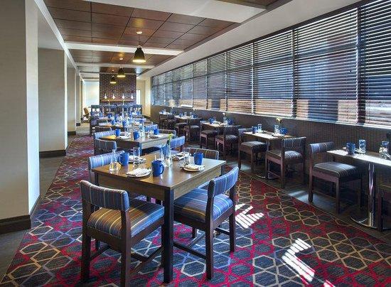 Four Points by Sheraton Charleston: Lobby Restaurant