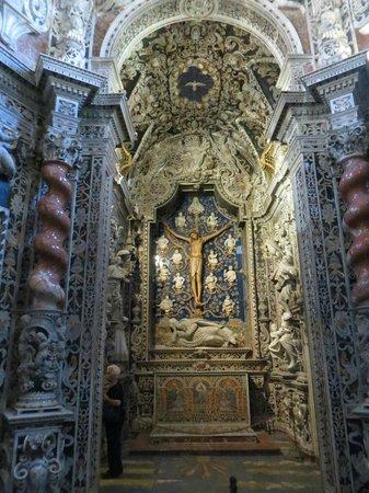 Duomo di Monreale : Алтарь Распятия в одноименной капелле