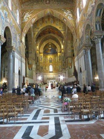 Duomo di Monreale : А вот и венчание. Все очень красиво и торжественно.